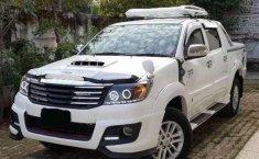 Jawa Tengah, dijual cepat mobil Toyota Hilux Type G Double Cabin Turbo 4x4 AT 2012 bekas