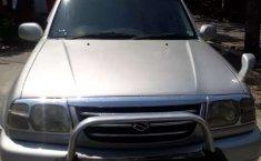 Mobil Suzuki Escudo 2004 2.0i terbaik di Jawa Tengah