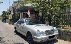 Jual mobil Mercedes-Benz E-Class E 230 1996 bekas, DIY Yogyakarta