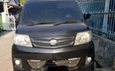 Mobil Daihatsu Luxio 2013 M terbaik di Jawa Timur