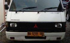 Sumatra Barat, Mitsubishi L300 2011 kondisi terawat