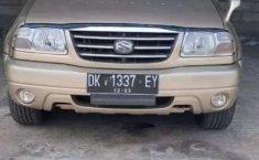 Mobil Suzuki Escudo 2004 V6 2.5 Automatic dijual, Bali
