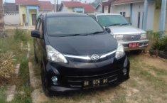 Jual mobil bekas murah Daihatsu Xenia R DLX 2014 di Riau
