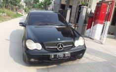 Jual cepat Mercedes-Benz C-Class C 180 2002 di Jawa Barat