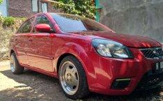 Jawa Tengah, jual mobil Kia Rio 2010 dengan harga terjangkau