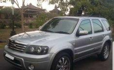 Dijual mobil bekas Ford Escape Limited, Bali