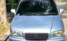 Dijual mobil bekas Hyundai Trajet GLS, Banten