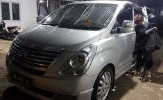 Mobil Hyundai H-1 2011 2.5 CRDi terbaik di Riau
