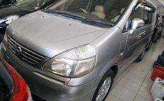 Mobil Nissan Serena Highway Star 2004 terawat di Jawa Tengah