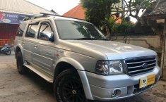 Dijual mobil bekas Ford Everest XLT, Bali