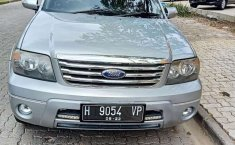Jawa Tengah, Ford Escape XLT 2008 kondisi terawat