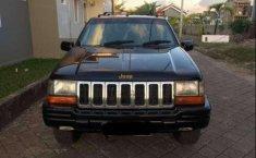 Jual Jeep Grand Cherokee Limited 2000 harga murah di Sulawesi Selatan