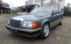 Jual Mercedes-Benz 230E 1991 harga murah di Jawa Barat