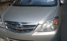 Mobil Daihatsu Xenia Xi 1.3 2011 terawat di banten