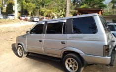 Mobil Isuzu Panther 1999 terbaik di Jawa Timur