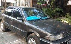 Mobil Toyota Corolla 1990 terbaik di Jawa Timur
