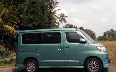 Mobil Daihatsu Luxio 2009 X dijual, Bali