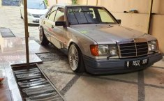 Mercedes-Benz 300E 1992 DKI Jakarta dijual dengan harga termurah