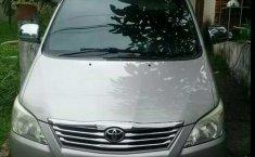 Jawa Barat, dijual mobil Toyota Kijang Innova 2.0 G 2013 bekas