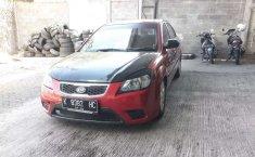 Mobil Kia Rio 2010 terbaik di Jawa Tengah