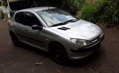 Mobil Peugeot 206 2001 terbaik di Jawa Barat