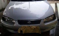 Mobil Toyota Camry 2002 terbaik di Sumatra Utara