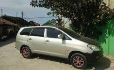 Jual mobil bekas murah Toyota Kijang Innova E 2005 di Kalimantan Timur