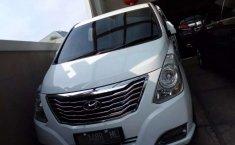 Jual Hyundai H-1 Royale 2015 harga murah di Jawa Timur