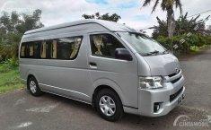 Rame-Rame ke Paris van Java, Berapa Harga Sewa Toyota HiAce di Bandung?