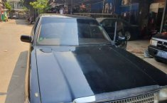 Mobil Toyota Crown 1989 terbaik di Jawa Barat