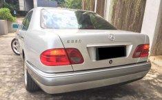 DIY Yogyakarta, jual mobil Mercedes-Benz E-Class E 320 1997 dengan harga terjangkau