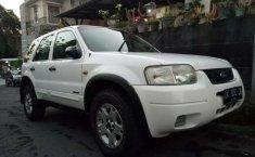 Mobil Ford Escape 2005 XLT terbaik di Bali