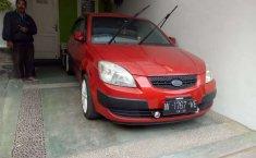 Mobil Kia Pride 2005 terbaik di Jawa Timur