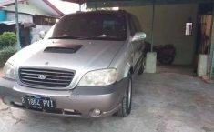 Mobil Kia Sedona 2003 terbaik di DKI Jakarta