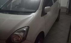 Jawa Barat, jual mobil Daihatsu Ayla M 2013 dengan harga terjangkau
