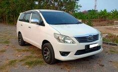 Jawa Timur, jual mobil Toyota Kijang Innova J 2014 dengan harga terjangkau
