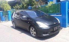 Mobil Toyota Wish 2003 terbaik di Jawa Timur
