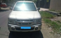 Jual mobil bekas murah Isuzu Panther LS 2004 di Jawa Timur