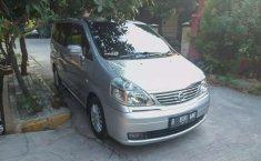 Jual mobil bekas murah Nissan Serena Highway Star 2010 di Jawa Barat