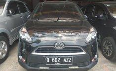 Jual mobil Toyota Sienta V 2016 Murah di Jawa Barat