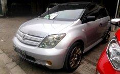 Jual mobil Toyota IST 1.5 2005 murah di Sumatra Utara