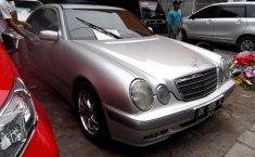 Jual mobil bekas murah Mercedes-Benz E-Class E 260 2001 di Sumatra Utara