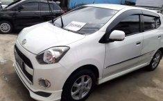 Mobil Daihatsu Ayla 2014 X Elegant terbaik di Sumatra Selatan