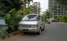 Jual mobil bekas murah Mazda E2000 2005 di DKI Jakarta