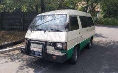 Mobil Mitsubishi L300 1990 dijual, Jawa Timur