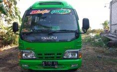 Mobil Isuzu Elf 2002 terbaik di Jawa Timur
