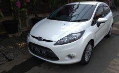Jual mobil Ford Fiesta 1.4 Trend 2011 murah di Jawa Barat