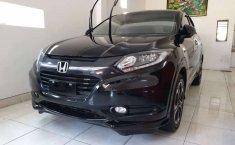 Bali, Honda HR-V Prestige 2017 kondisi terawat