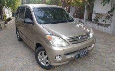 Jawa Timur, jual mobil Daihatsu Xenia Xi DELUXE+ 2004 dengan harga terjangkau