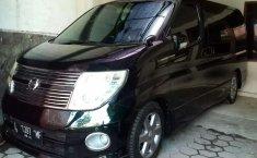 Mobil Nissan Elgrand 2008 dijual, Jawa Timur